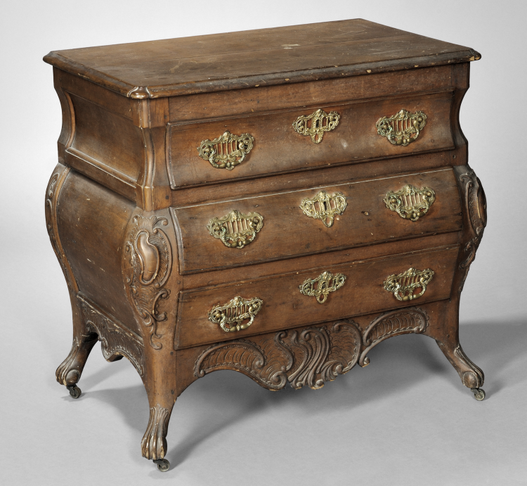 Canadian Furniture | Antique Chest of Drawers | Skinner Inc.