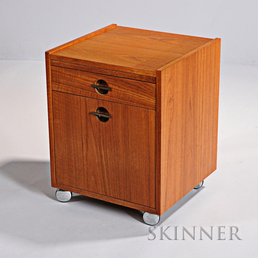 the gentleman 39 s auction online sale 2869t skinner auctioneers. Black Bedroom Furniture Sets. Home Design Ideas